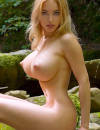 pornstar babes sucking cock porn pics