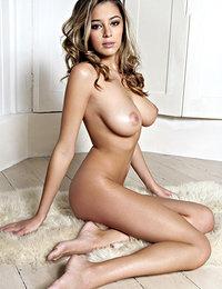 pornstar women in sexy lingerie porn pics